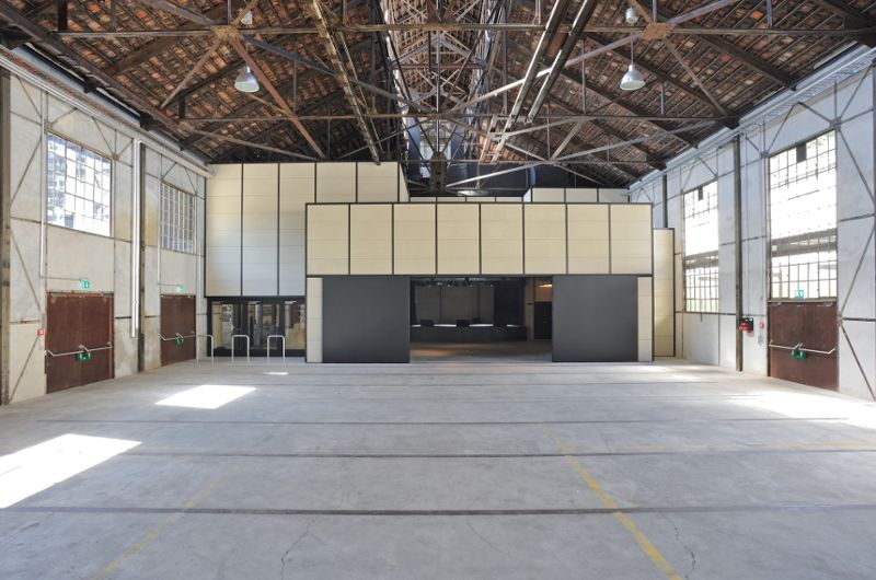 Städtische Hochbauprojekte - Innenansicht der Alten Schmiede mit Jugendkulturlokal Werkk